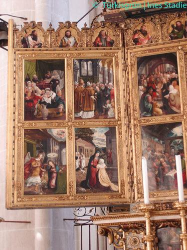 Tafelbilder an einem Altar in der Kirche ULF in Ingolstadt
